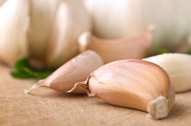 Garlic cloves could help reduce colon cancer risk