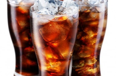 Glasses with soda with artificial sweeteners and ice cubes