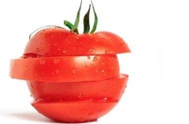 sliced ripe tomato slices help prevent prostate cancer