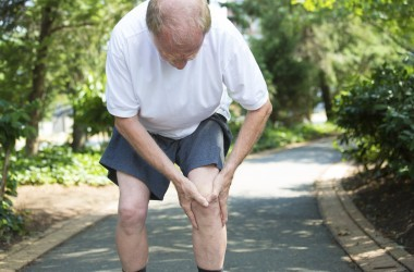 Senior man experiencing knee pain needs chondroitin for pain relief
