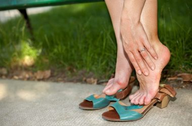 Swollen ankles or feet common foot problems need natural diuretics