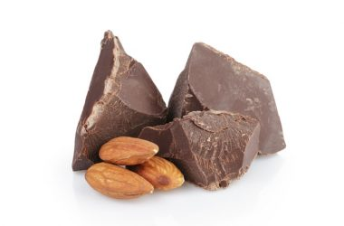 Dark chocolate and almonds can improve cholesterol
