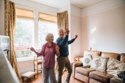 Seniors dancing at home to burn fat and lose weight - benefits of dancing